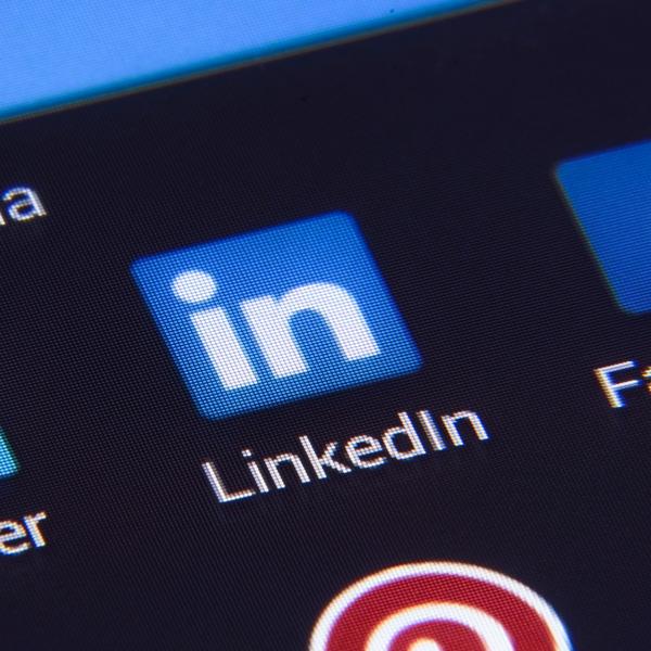 Best LinkedIn Pages